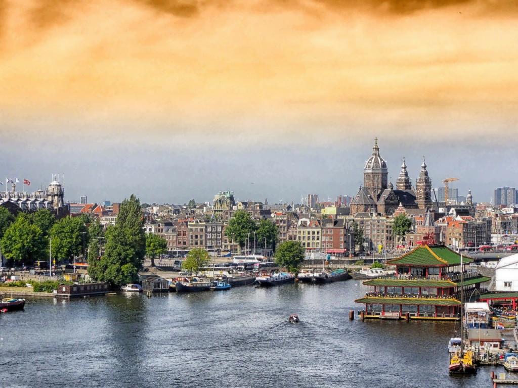 amsterdam-116477_1280